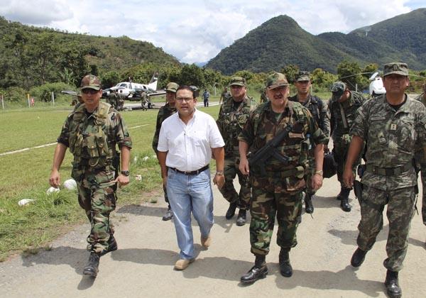 RESCATE DE 36 TRABAJADORES  SECUESTRADOS POR SENDERO LUMINOSO : OPERACION LIBERTAD 2012_12_04_0002